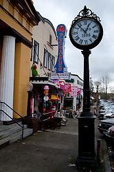 Street Clock and Pegasus Nostalgiques, Snohomish, Washington, US