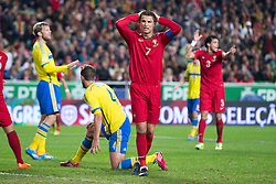 15.11.2013, Estadio da Luz, Lissabon, POR, FIFA WM Qualifikation, Portugal vs Schweden, Play Off, im Bild Sverige 4 Per Nilsson, Portugal 7 Cristiano Ronaldo // during the FIFA World Cup Qualifier play Off Match between Portugal and Sweden at the Estadio da Luz in Lissabon, Portugal on 2013/11/15. EXPA Pictures © 2013, PhotoCredit: EXPA/ Pic Agency/ Sami Grahn<br /> <br /> *****ATTENTION - OUT of SWE*****