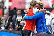 14-05-2017: Voetbal: Feyenoord v Heracles Almelo: Rotterdam<br /> <br /> (L-R) Feyenoord speler Dirk Kuyt juicht met de geschorste Feyenoord speler Tonny Vilhena nadat hij de 2-0 heeft gescoord tijdens het Eredivisie duel tussen Feyenoord en Heracles Almelo op 14 mei 2017 in stadion Feyenoord (de Kuip)<br /> <br /> Eredivisie - Seizoen 2016 / 2017<br /> <br /> Foto: Gertjan Kooij