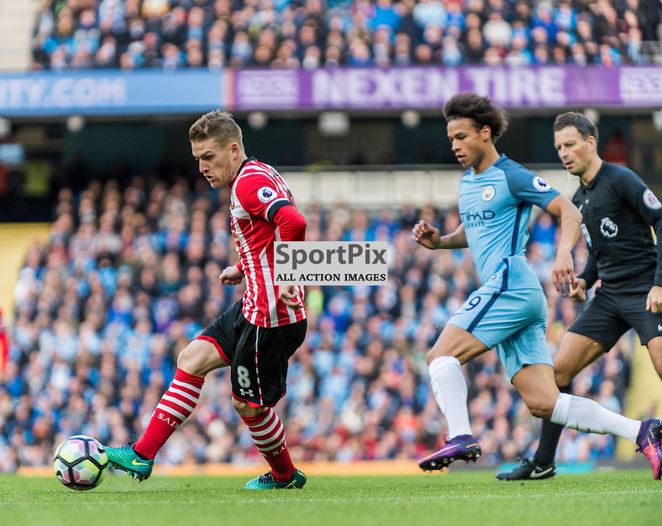 Southampton midfielder Steven Davis (8) on the ball in the Premier League match between Manchester City and Southampton<br /> <br /> (c) John Baguley | SportPix.org.uk