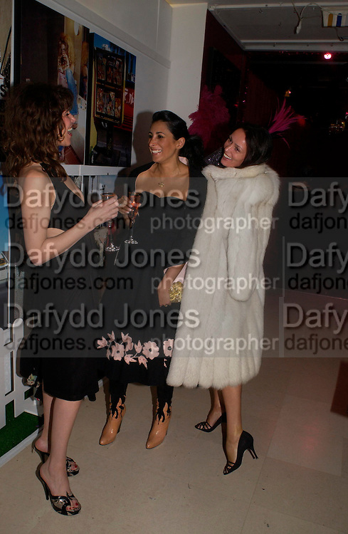 JESS MORRIS, SERENA REES AND TRISHA SIMONON. Selfridges Las Vegas dinner hosted by  hon Galen , Hillary Weston and Allanah Weston. Selfridges Oxford St. 20 April 2005. ONE TIME USE ONLY - DO NOT ARCHIVE  © Copyright Photograph by Dafydd Jones 66 Stockwell Park Rd. London SW9 0DA Tel 020 7733 0108 www.dafjones.com