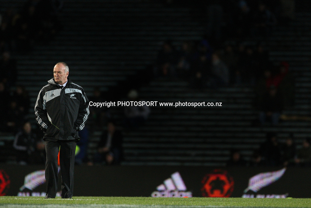 Coach Graham Henry walks the pitch before the match.<br />