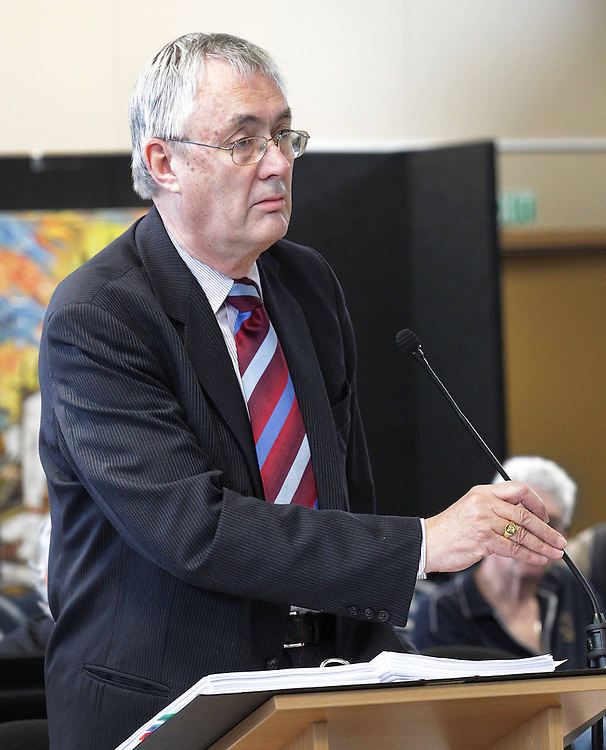 "Hugh Rennie QC for Alan Reay Consultants Limited begins his closing submissions at the Canterbury Earthquakes Royal Commission, Christchurch, New Zealand, Thursday, September 06, 2012. Credit:SNPA / The Press, Sracey Squires  ""POOL"""""