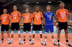 06-10-2013 VOLLEYBAL: WK KWALIFICATIE MANNEN NEDERLAND - ROEMENIE: ALMERE<br /> Nederland WINT met 3-0 van Roemenie en is daarmee groepswinnaar en plaatst zich voor de volgende ronde / Line up Nederland<br /> ©2013-FotoHoogendoorn.nl