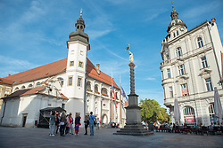 Visitors on a guided tour through old town on Castle Square in Maribor, Slovenia on 27th of September.  Photo by Milos Vujinovic / Sportida