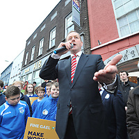 An Taoiseach Enda Kenny campaigning on a podium in the middle of Kinsale last Friday.<br /> Picture. John Allen