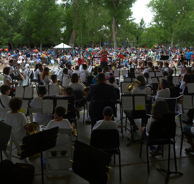 gbs051417c/ASEC -- The Young Musician's Initiative perform during the Mother's Day Concert at the Zoo on Sunday, May 14, 2017. The Young Musician's Initiative and the New Mexico Philharmonic performed in the band shell.(Greg Sorber/Albuquerque Journal)