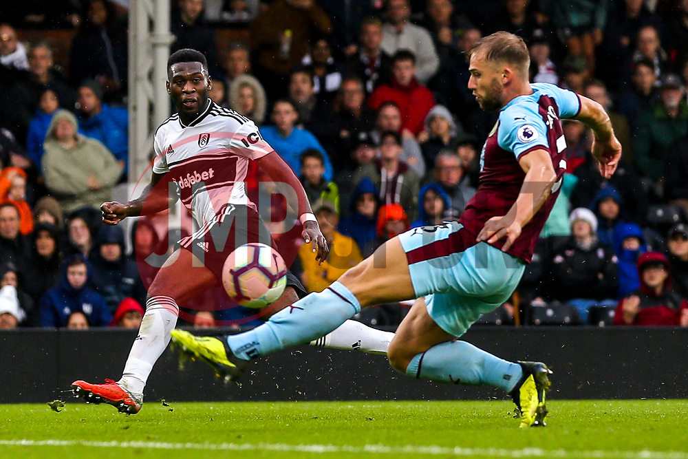 Timothy Fosu-Mensah of Fulham crosses the ball - Mandatory by-line: Robbie Stephenson/JMP - 26/08/2018 - FOOTBALL - Craven Cottage - Fulham, England - Fulham v Burnley - Premier League