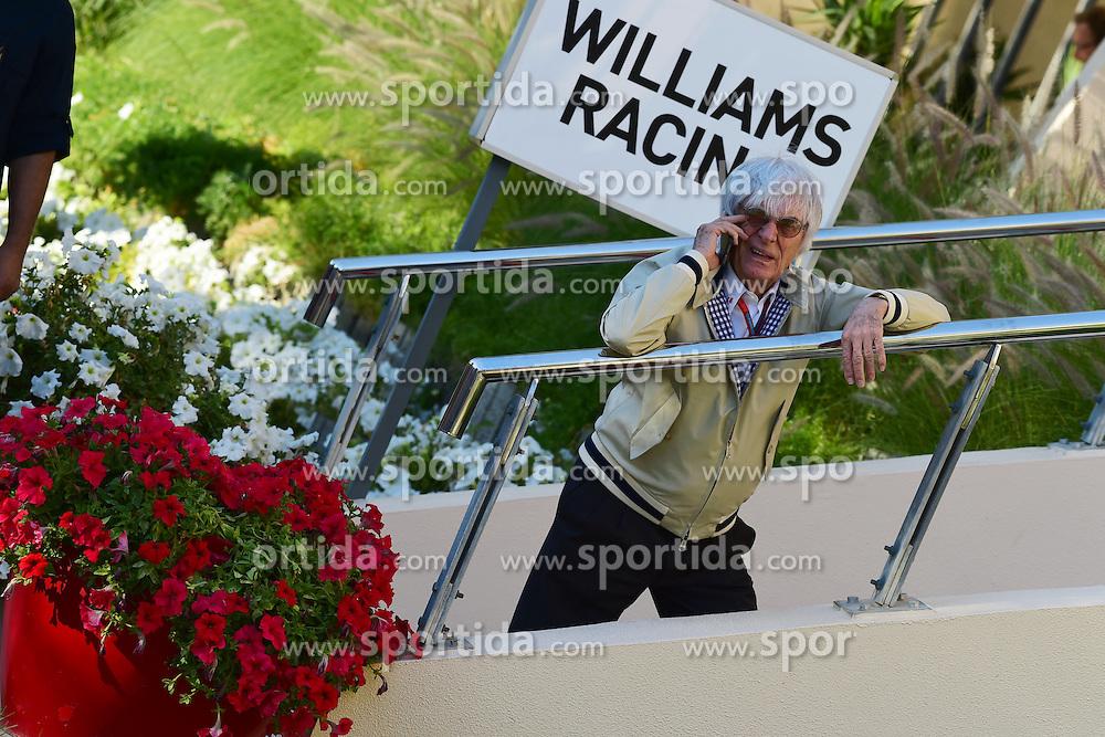 03.04.2016, International Circuit, Sakhir, BHR, FIA, Formel 1, Grand Prix von Bahrain, Rennen, im Bild Bernie Ecclestone (GBR) CEO Formula One Group (FOM) // during Race for the FIA Formula One Grand Prix of Bahrain at the International Circuit in Sakhir, Bahrain on 2016/04/03. EXPA Pictures &copy; 2016, PhotoCredit: EXPA/ Sutton Images<br /> <br /> *****ATTENTION - for AUT, SLO, CRO, SRB, BIH, MAZ only*****
