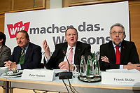 14 DEC 2010, BERLIN/GERMANY:<br /> Frank Bsirske (L), ver.di Vorsitzender, Peter Heesen (M), dbb Bundesvorsitzender, und Frank Stoehr (R), dbb tarifunion 1. Vorsitzender, Pressekonferenz zu den Forderungen zur Laender-Tarifrunde im öffentlichen Dienst 2011, Katholische Akademie<br /> IMAGE: 20101214-01-043<br /> KEYWORDS: Frank Stöhr