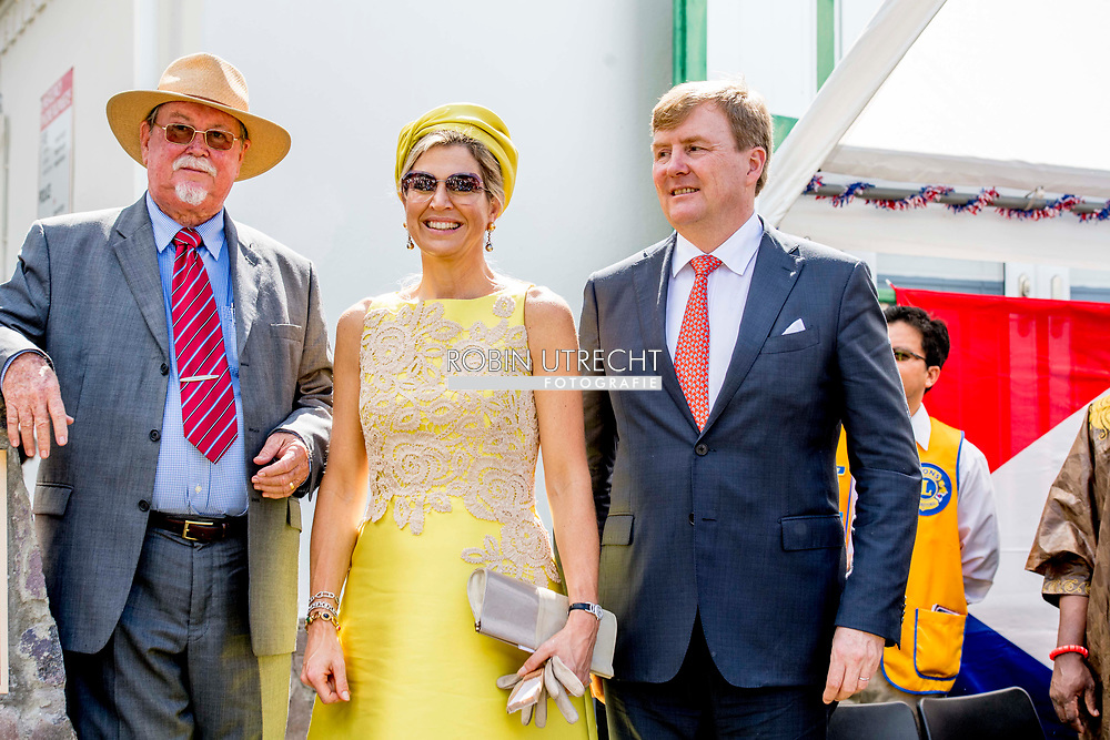THE BOTTOM - King Willem-Alexander and Queen Maxima celebrate in the garden of Lieutenant Governor Jonathan Johnson Saba Day, the national holiday of the island. ROBIN UTRECHT