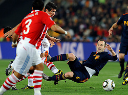 03.07.2010, Ellis Park, Johannesburg, RSA, FIFA WM 2010, Viertelfinale, Paraguay (PAR) vs Spanien (ESP) im Bild Andres Iniesta (Spagna), EXPA Pictures © 2010, PhotoCredit: EXPA/ InsideFoto/ Perottino, ATTENTION! FOR AUSTRIA AND SLOVENIA ONLY! / SPORTIDA PHOTO AGENCY
