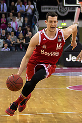 28.03.2016, Telekom Dome, Bonn, GER, Beko Basketball BL, Telekom Baskets Bonn vs FC Bayern Muenchen, 23. Runde, im Bild Paul Zipser (FC Bayern Muenchen #16) beim Dribbling gegen // during the Beko Basketball Bundes league 23th round match between Telekom Baskets Bonn and FC Bayern Munich at the Telekom Dome in Bonn, Germany on 2016/03/28. EXPA Pictures © 2016, PhotoCredit: EXPA/ Eibner-Pressefoto/ Schüler<br /> <br /> *****ATTENTION - OUT of GER*****