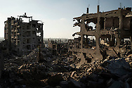 Gaza Strip, Gaza City: Destroyed buildings in Al Shaaf neighbourhood during a 72 hours ceasefire on August 11, 2012. ALESSIO ROMENZI