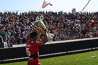 Leigh Halfpenny avec le trophee Champions Cup - 09.05.2015 - Toulon / Castres - 24eme journee de Top 14 <br /> Photo : Alexandre Dimou / Icon Sport
