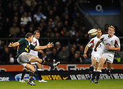 Twickenham, GREAT BRITAIN,  Andre PRETORIUS, kicking a second half [drop] goal, during the, Investec 2006 Rugby Challenge, England vs South Africa, at Twickenham Stadium, ENGLAND on Sat 25.11.2006. [Photo, Peter Spurrier/Intersport-images]