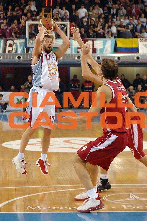 DESCRIZIONE : Rieti Lega A1 2007-08 Solsonica Rieti Cimberio Varese<br /> GIOCATORE : Michele Mian<br /> SQUADRA : Solsonica Rieti<br /> EVENTO : Campionato Lega A1 2007-2008 <br /> GARA : Solsonica Rieti Cimberio Varese<br /> DATA : 27/01/2008<br /> CATEGORIA : Tiro<br /> SPORT : Pallacanestro <br /> AUTORE : Agenzia Ciamillo-Castoria/E. Grillotti