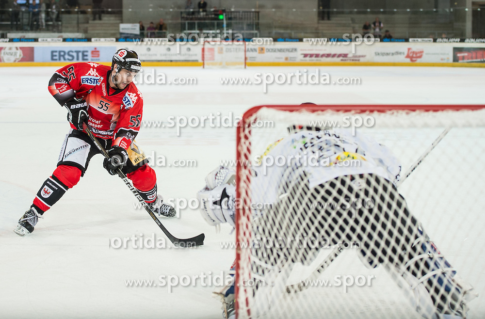 09.09.2012, Tiroler Wasserkraft Arena, Innsbruck, AUT, EBEL, HC TWK Innsbruck vs EC Dornbirn, 02. Runde, im Bild Francis Lemieux, (HC TWK Innsbruck, # 55) verwertet einen Penalty Shot zum Ausgleich 10 Sekunden vor Spielende gegen Patrick Desrochers, (EC Dornbirn, #37) // during the Erste Bank Icehockey League 2nd Round match between HC TWK Innsbruck and EC Dornbirn at the Tiroler Wasserkraft Arena, Innsbruck, Austria on 2012/09/09. EXPA Pictures © 2012, PhotoCredit: EXPA/ Eric Fahrner