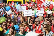 Berlin, Germany - 12.05.2016<br /> <br /> Teacher strike demonstration in Berlin organized by the union GEW. Thousands protest , among other things for the adaptation of wages to the salary of civil servant teachers.<br /> <br /> GEW Warnstreik-Demonstration von Angestellten Lehrern in Berlin. Tausende protestieren unter anderem fuer die Anpassung an die Gehaltsverhaeltnisse des verbeamteten Lehrpersonals.<br /> <br /> Photo: Bjoern Kietzmann