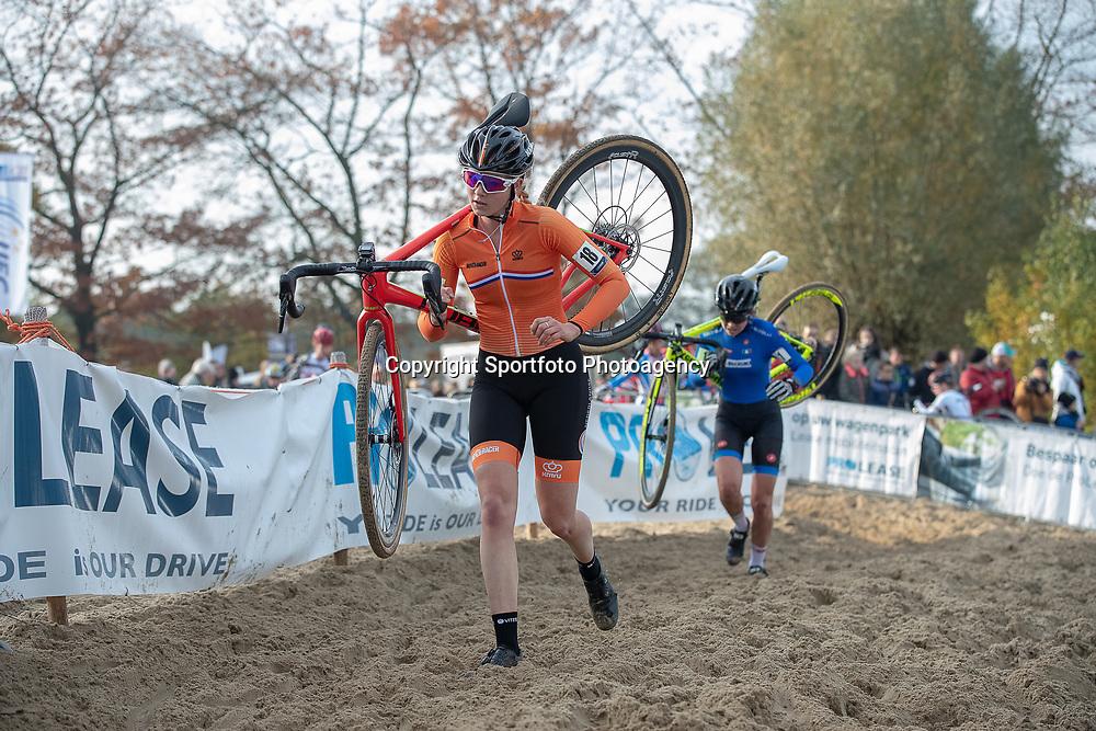 04-11-2018: Wielrennen: EK veldrijden: Rosmalen <br />Aniek van Alphen