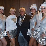 NLD/Rotterdam/20131216 - Society Lunch Silver Bells Christmas, Tony Tetro met de Fa Fa dansers