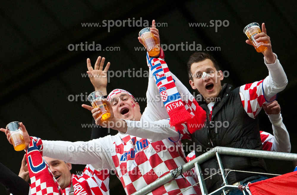 19.05.2010, Hypo Group Arena, Klagenfurt, AUT, Freundschaftsspiel, Österreich vs Kroatien im Bild Feature Kroatiesche Fans, EXPA Pictures © 2010, PhotoCredit: EXPA/ J. Feichter / SPORTIDA PHOTO AGENCY