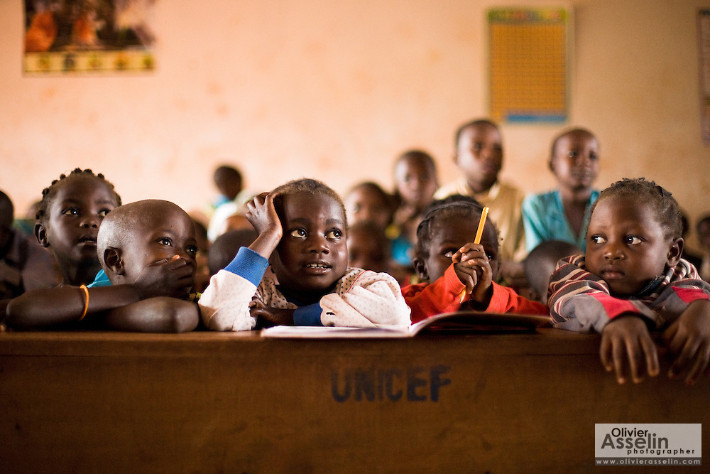 Cchildren in a classroom at the Bazzama primary school in the town of Bazzama, Cameroon on Wednesday September 16, 2009.  The school integrates the children of refugees from Central African Republic with residents from the area.