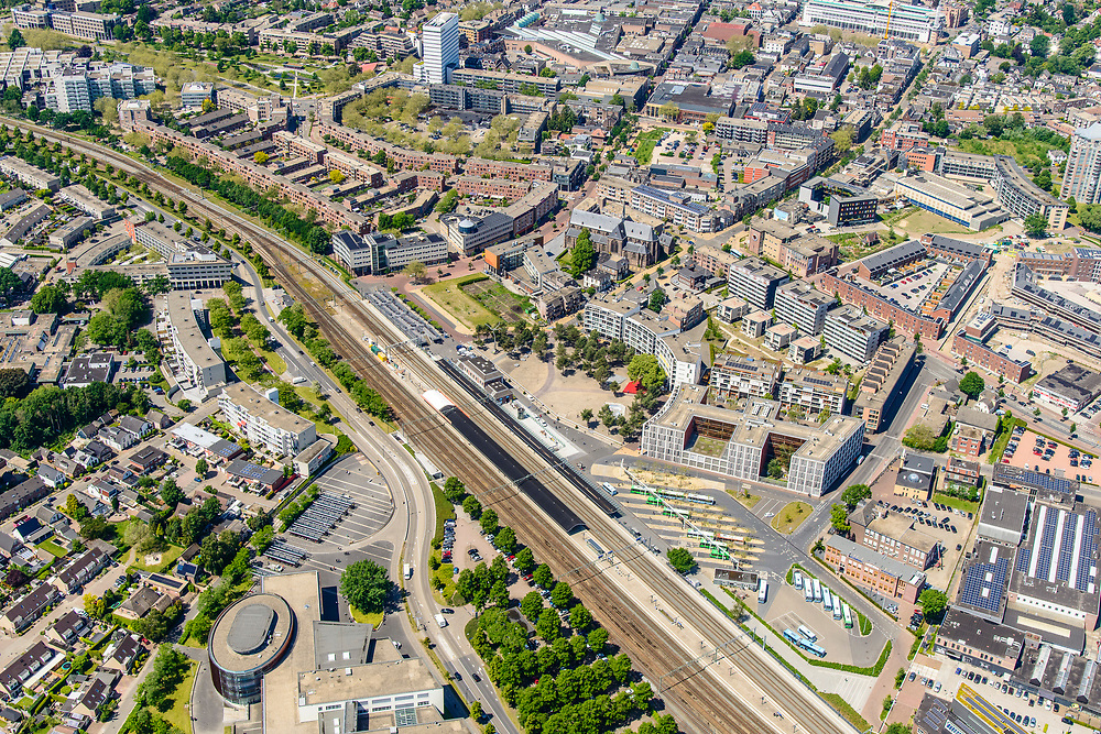 Nederland, Gelderland, Apeldoorn, 29-05-2019; NS station Apeldoorn en omgeving.<br /> Railway station Apeldoorn.<br /> luchtfoto (toeslag op standard tarieven);<br /> aerial photo (additional fee required);<br /> copyright foto/photo Siebe Swart