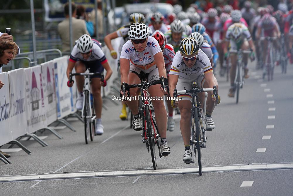 Ladiestour 2009 Nieuwegein<br />Ina Yoko Teutenberg wins stage 2nd Kirsten Wild