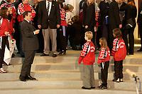 17 DEC 2003, BERLIN/GERMANY:<br /> Gerhard Schoeder, SPD, Bundeskanzler,und  Nachwuchs Fußballerspielerinnen, waehrend dem Empfang der Deutschen Damen-Fußball Nationalmannschaft, Bundeskanzleramt<br /> IMAGE: 20031217-02-019<br /> KEYWORDS: Sport, Gerhard Schröder, Fussball, Kind, Kinder