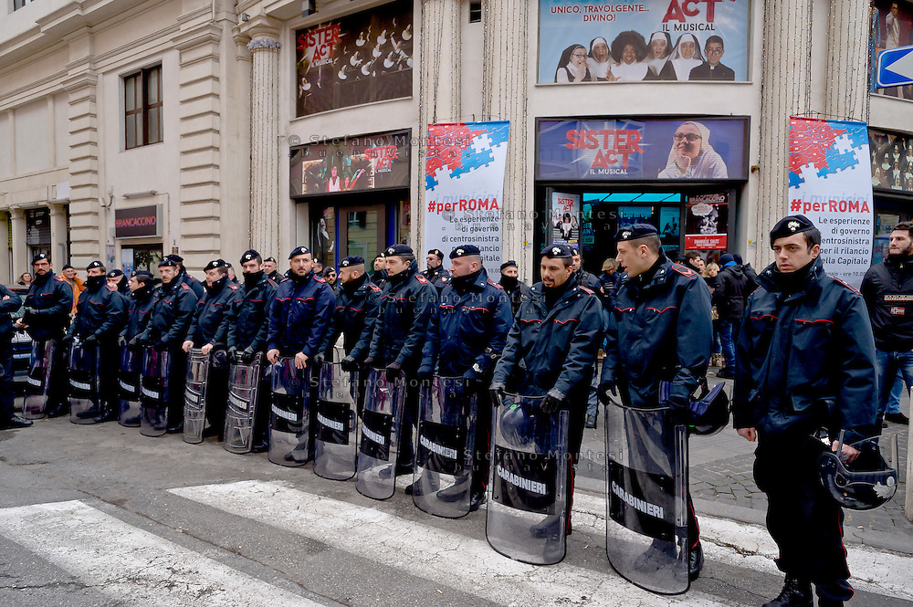 Rome, Italy 23th January 2016<br /> The movements for the right to housing and the caravan of the suburbs, protesting in front  the theater Brancaccio,to ask for the stop of the evictions, where there is  a manifestation  of the Democratic Party for the local  elections in Rome. In the pictured: The carabinieri protect the entrance to the theater