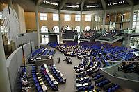 30 JUN 2005, BERLIN/GERMANY:<br /> Uebersicht des schlecht besetzten Plenarsaals, waehrend einer Abstimmung, Deutscher Bundestag<br /> IMAGE: 20050630-01-002<br /> KEYWORDS: Plenum, leer, Reichstag, Bundesadler, Übersicht