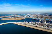 Nederland, Zuid-Holland, Rotterdam, 18-02-2015; Tweede Maasvlakte met de Prinses Alexiahaven (voorgrond), Prinses Prinses Arianehaven (midden links), Prinses Amaliahaven en  (midden rechts). in  de achtergrond. Containerterminals van Rotterdam World Gateway (RWG) en APM Terminals Rotterdam-MV II (APMT). Middenplan de eerste Maasvlakte met ECT en centrales van E.ON, links de Yangtzehaven.<br /> Maasvlakte 2 (MV2), extension of the Port of Rotterdam, new harbors and constructing of container terminals.<br /> luchtfoto (toeslag op standard tarieven);<br /> aerial photo (additional fee required);<br /> copyright foto/photo Siebe Swart