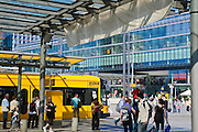 Wiener Platz, Prager Straße, Straßenbahnhaltestelle, Dresden, Sachsen, Deutschland.|.Wiener Platz, Prager Strasse, tram, Dresden, Germany