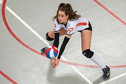 02-02-2019 NED: Regio Zwolle Volleybal - Sliedrecht Sport, Zwolle<br /> Round 16 of Eredivisie volleyball - Sliedrecht win the match 3-2 / Julia Joosten #12 of Zwolle
