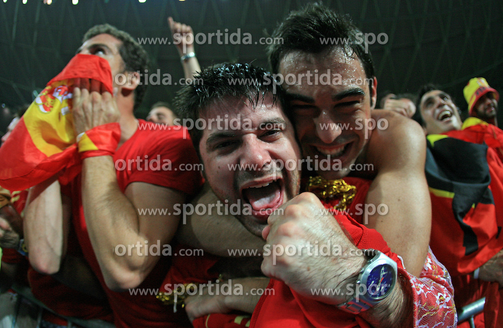 Spanish fans celebrate victory after penalty shots at the UEFA EURO 2008 Quarter-Final soccer match between Spain and Italy at Ernst-Happel Stadium, on June 22,2008, in Wien, Austria.  (Photo by Vid Ponikvar / Sportal Images)