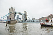 2 Dec. 2014 - Tower Bridge opens as HMS St Albans leaves London.