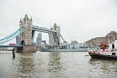 2 Dec. 2014 - Tower Bridge opens as HMS St Albans leaves London.