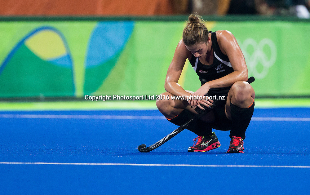 A dejected Brooke Neal after the loss. New Zealand. New Zealand Blacksticks women v Great Britain, Olympic hockey Semi Final Olympic Rowing,  Rio Olympics Games 2016, Rio de Janeiro. Wednesday 17 August, 2016. Copyright photo: John Cowpland / www.photosport.nz