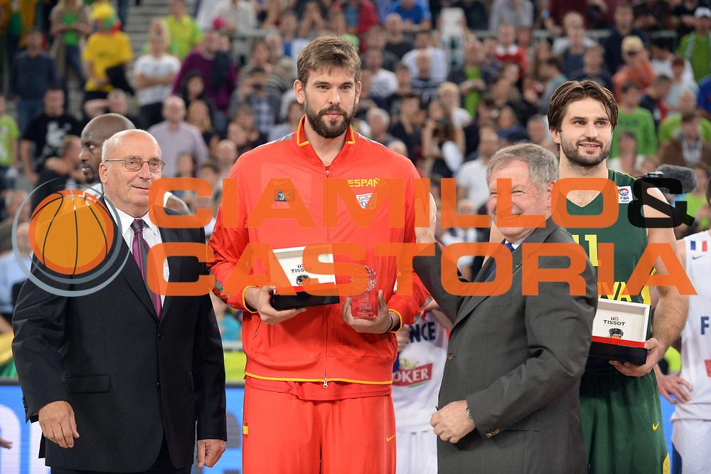 DESCRIZIONE : Lubiana Ljubliana Slovenia Eurobasket Men 2013 Finale Final Francia France Lituania Lithuania<br /> GIOCATORE : Marc Gasol<br /> CATEGORIA : Premiazione<br /> SQUADRA : Spagna Spain <br /> EVENTO : Eurobasket Men 2013<br /> GARA : Francia France Lituania Lithuania<br /> DATA : 22/09/2013 <br /> SPORT : Pallacanestro <br /> AUTORE : Agenzia Ciamillo-Castoria/Max.Ceretti<br /> Galleria : Eurobasket Men 2013<br /> Fotonotizia : Lubiana Ljubliana Slovenia Eurobasket Men 2013 Finale Final Francia France Lituania Lithuania<br /> Predefinita :