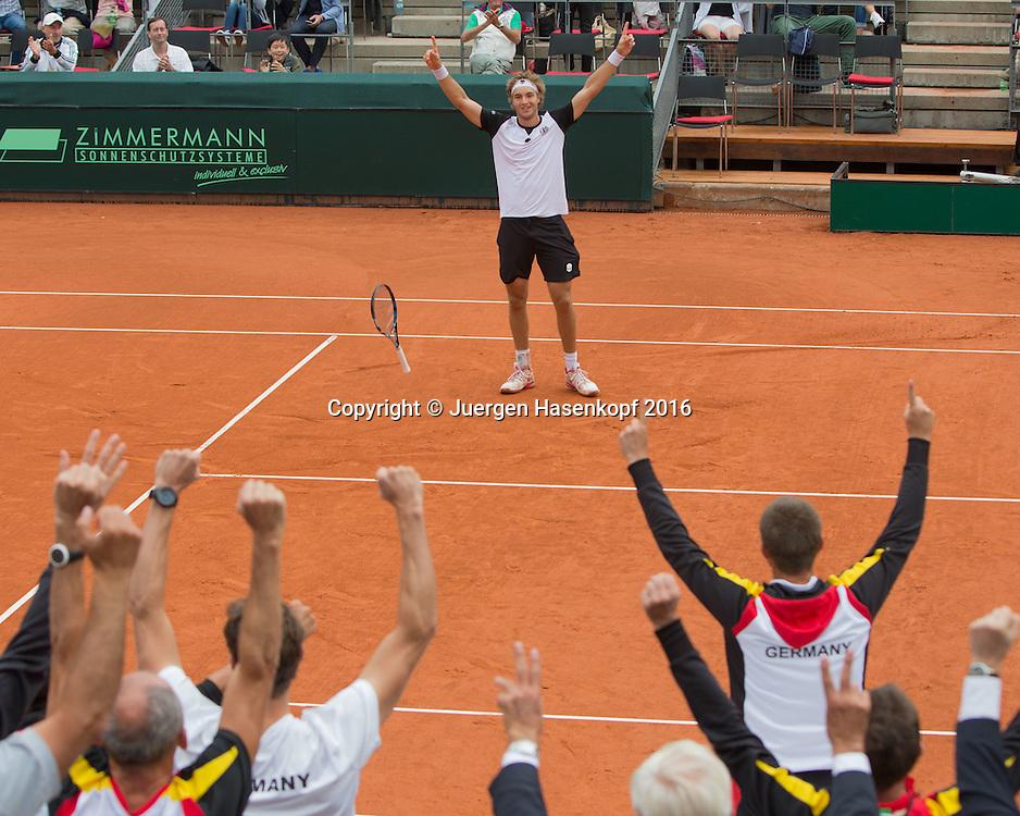 JAN-LENNARD STRUFF (GER) jubelt nach seinem Sieg,Jubel,Freude,Emotion, Davis Cup GER-POL<br /> <br /> Tennis - Davis Cup 2016 GER-POL - ITF Davis Cup -  Steffi Graf Stadion - Berlin - Berlin - Germany - 18 September 2016. <br /> &copy; Juergen Hasenkopf-Molter