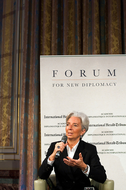 Christine Lagarde, French minister of Economy, Finance and Industry, speaking with Roger Cohen, columnist for the New York Times and the International Herald Tribune, at the Académie Diplomatique Internationale before speaking at a the Forum for New Diplomacy..Paris, France. 25/01/2011.