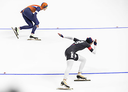 February 14, 2018 - Pyeongchang, South Korea - JORIEN TER MORS, top, of of NED and BRITTANY BOWE of the USA in action during the Ladies 1000m Speed Skating  race at the Gangneung Oval during the 2018 Pyeongchang Winter Olympic Games. (Credit Image: © Daniel A. Anderson via ZUMA Wire)