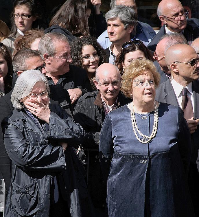 Rosi Bindi e Anna Maria Cancellieri durante i funerali di Placido Rizzotto a Corleone