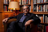 31 MAY 2010, BERLIN/GERMANY:<br /> Jagdish Natwarlal Bhagwati, indischer Oekonom und Professor fuer Politik und Wirtschaft an der Columbia University, nach einem Interview, Bibiothek der American Academy<br /> IMAGE: 20100531-02-113<br /> KEYWORDS: Jagdish Bhagwati, Ökonom