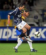 22-08-2008: Voetbal: RKC WAALWIJK:GO AHEAD EAGLES:WAALWIJK <br /> Dustley Mulder in een fel duel met Achmed Ahahaoui<br /> Foto: Geert van Erven