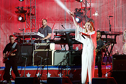 Ben Taylor, Jill Scott, Grace Potter (pictured here), Hunter Hayes, John Mayer, J.Cole, Ne-yo and John Mayor take the stage for the Philly 4th of July concert with Questlove and the Roots. (Bas Slabbers/for NewsWorks)