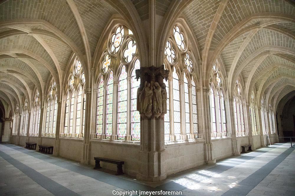quiet cloister, Monasterio de San Juan