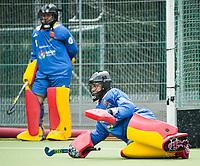 BRUSSEL - keeper Maria LOPEZ DE EGUILAZ (SPA)  and keeper Maria RUIZ (SPA)  before the match   AUSTRALIA v SPAIN , Fintro Hockey World League Semi-Final (women) . COPYRIGHT KOEN SUYK