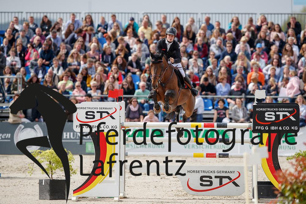 VAN PAESSCHEN Constant (BEL), Veneur d Isigny<br /> Hagen - Horses and Dreams meets the Royal Kingdom of Jordan 2018<br /> Grosser Preis der DKB Qualifikation DKB-Riders Tour<br /> 30 April 2018<br /> www.sportfotos-lafrentz.de/Stefan Lafrentz
